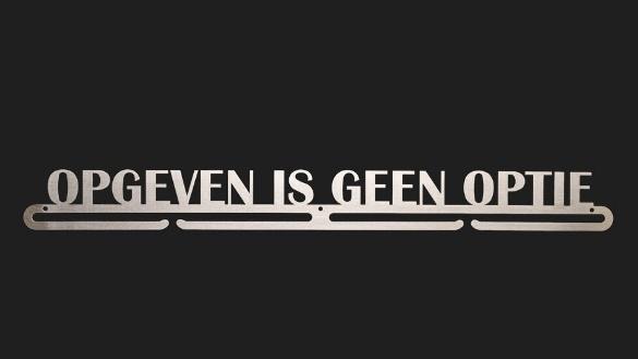 trendyhangers.nl-medaillehangers-opgeven-is-geen-optie.jpg