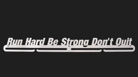 trendyhangers.nl-medaillehangers-run-hard-be-strong-dont-quit-2.jpg