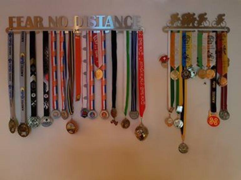 trendyhangers.nl-medaillehanger-fear-no-distance.jpg