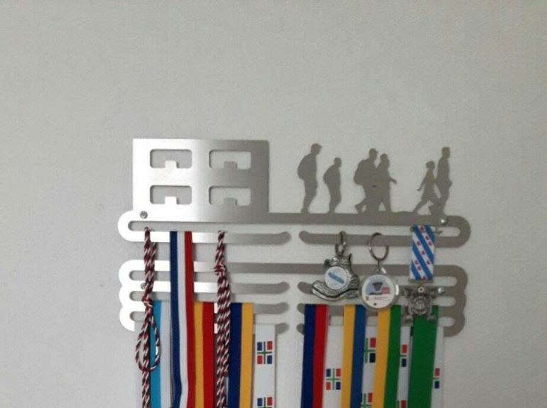 trendyhangers.nl-medaillehanger-wandelen-model-a.jpg