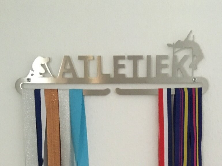 trendyhangers.nl-medaillehanger-atletiek-renate.jpeg