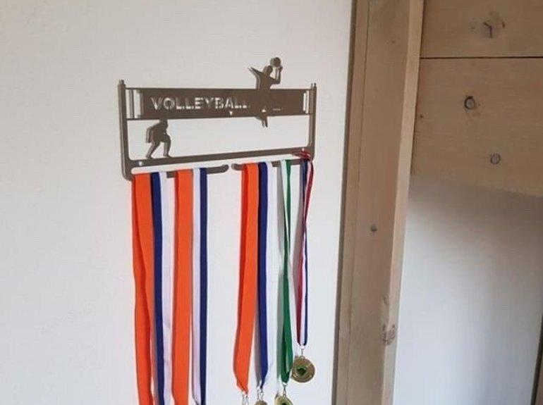 trendyhangers.nl-medaillehanger-volleyball.jpg